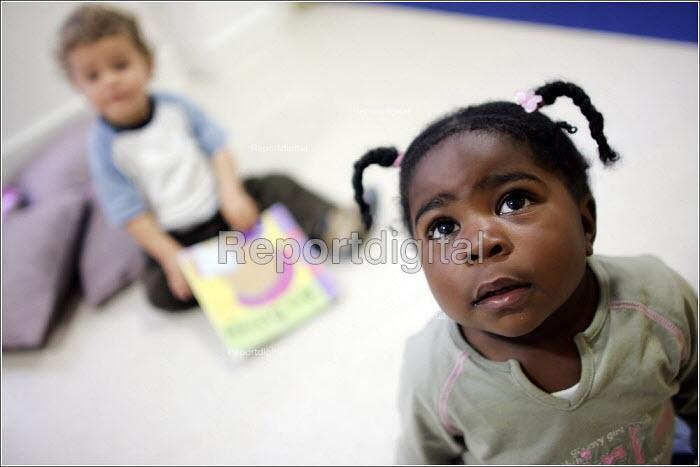 Kids Unlimited nursery, Manchester City Centre. - Christopher Thomond - 2005-08-14