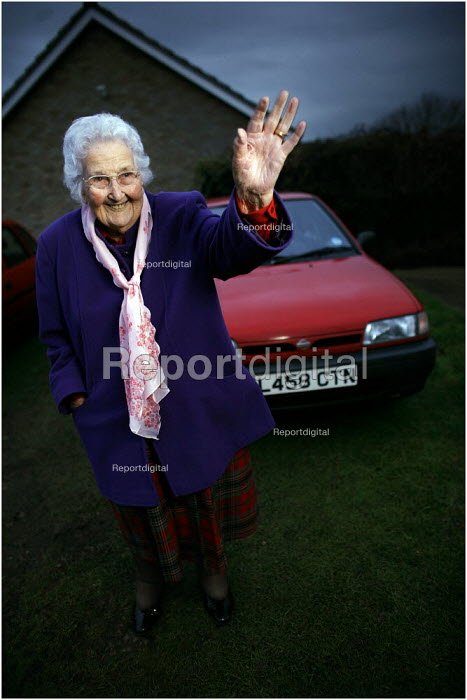 Nora Hardwick from Ancaster, Grantham, still driving regularly at 100 years old. - Christopher Thomond - 2005-12-22