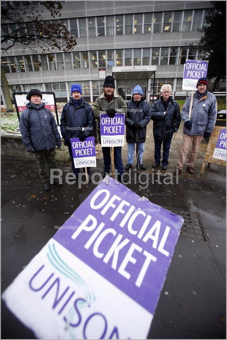 Dave Ellis ( centre, beard) and other caretakers on strike at Huddersfield Technical College, West Yorkshire. - Christopher Thomond - 2005-11-28