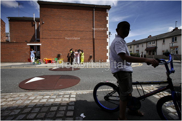 The streets around Fishwick Parade in Preston where 20 year old Shezan Umarji was stabbed to death in the early hours of Saturday in a racist incident. - Christopher Thomond - 2006-07-23