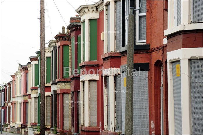 Boarded up houses in Wavertree, Liverpool. - Christopher Thomond - 2008-07-31