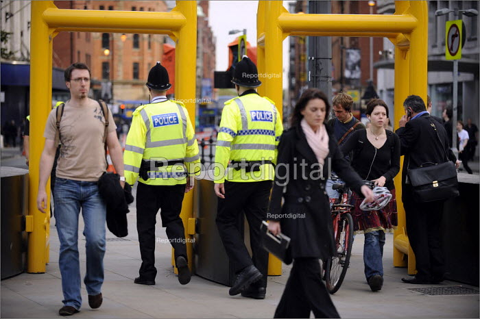 Security at the Labour Party Annual Conference in Manchester 2008. - Christopher Thomond - 2008-09-19
