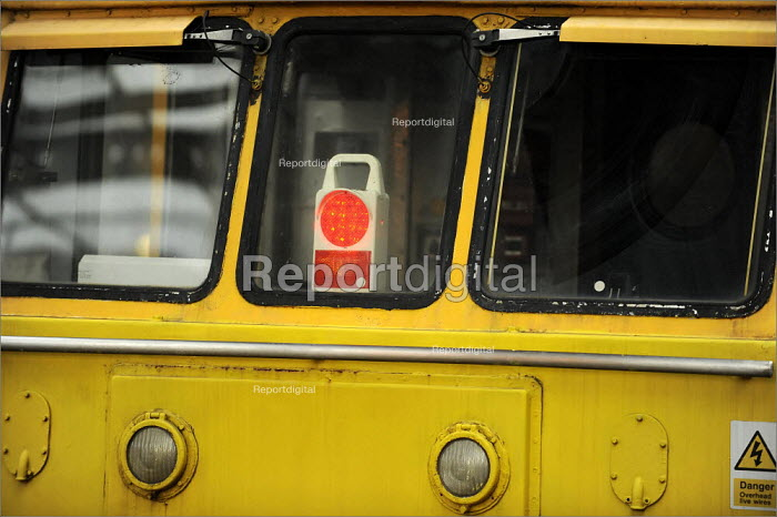 A red light in an engine cab, York Railway Station - Christopher Thomond - 2009-01-08