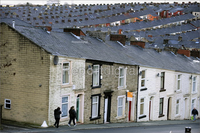 Housing in Darwen, on the day the Office for National Statistics figures confirmed Britain is in recession. - Christopher Thomond - 2009-01-23