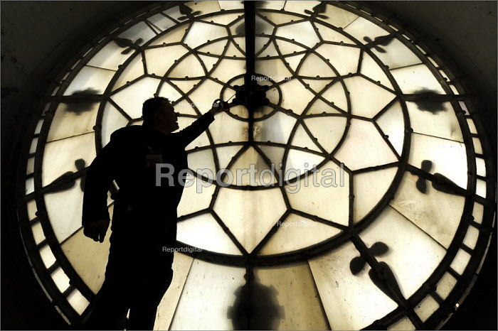 Horologists repairing the Town Hall clock in Manchester. The clock is by Gillett and Bland. - Christopher Thomond - 2009-03-24