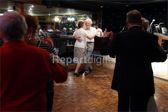 Dancing to the live music of organist John Peate and drummer Dave Miller at Cleveleys Working Mens Club, Lancashire. - Christopher Thomond - 2009-05-15