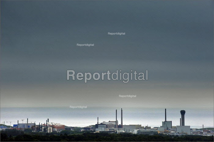 Sellafield Nuclear power station and Thorp nuclear reprocessing plant in West Cumbria. - Christopher Thomond - 2009-05-28