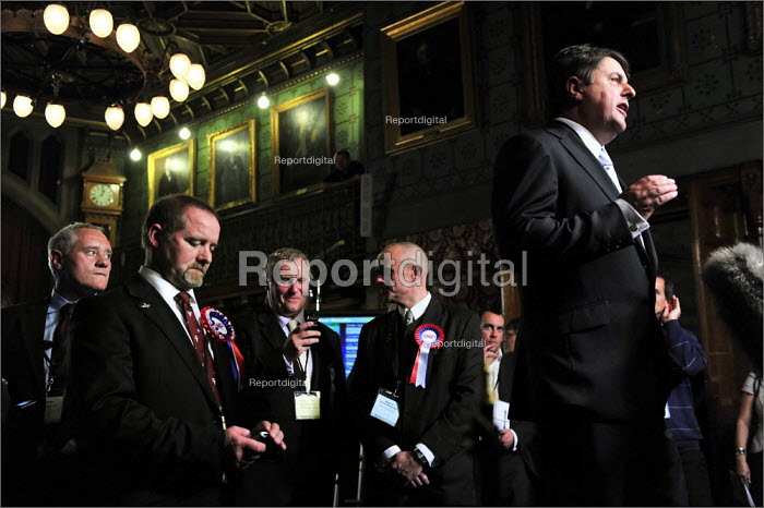 European elections voting results at Manchester Town Hall. BNP leader Nick Griffin speaking before the results are declared at the count. - Christopher Thomond - 2009-06-07