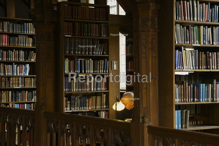 St Deiniol's Residential Library at Hawarden in North Wales. - Christopher Thomond - 2009-07-27