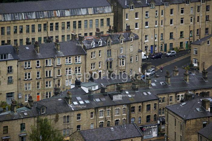 Housing in Hebden Bridge, West Yorkshire. - Christopher Thomond - 2009-07-28