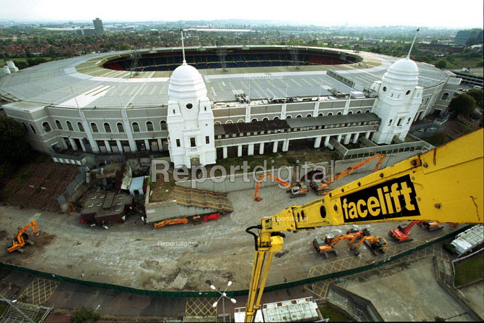 Construction starting, Wembley Stadium London 2002 - Duncan Phillips - 2002-10-09