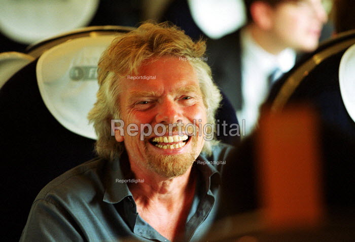 Sir Richard Branson travelling on one of Virgin Trains new pendolino trains - Duncan Phillips - 2002-07-23