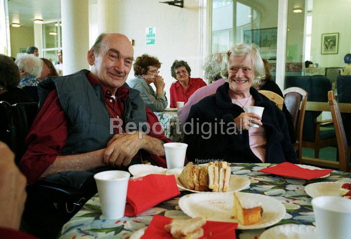 Elderly people attending a council run day centre Camden - Duncan Phillips - 2002-10-16