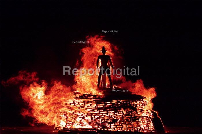 Traditional November 5th bonfire celebration burning effigy of Guy Fawkes. Public Display - Duncan Phillips - 2001-11-05