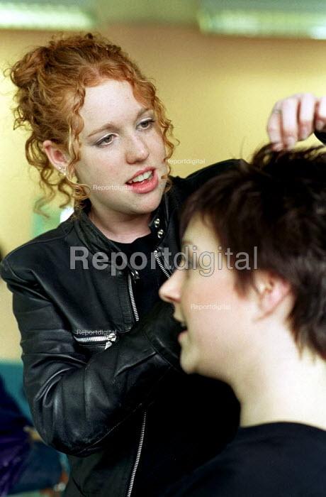 Trainee hairdresser working at Sheffield College - David Bocking - 2000-04-15