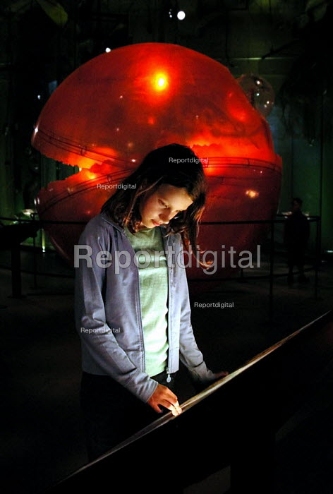 Girl learning about sustainability in the Earth Centre's Planet Earth Galleries - David Bocking - 2002-08-29