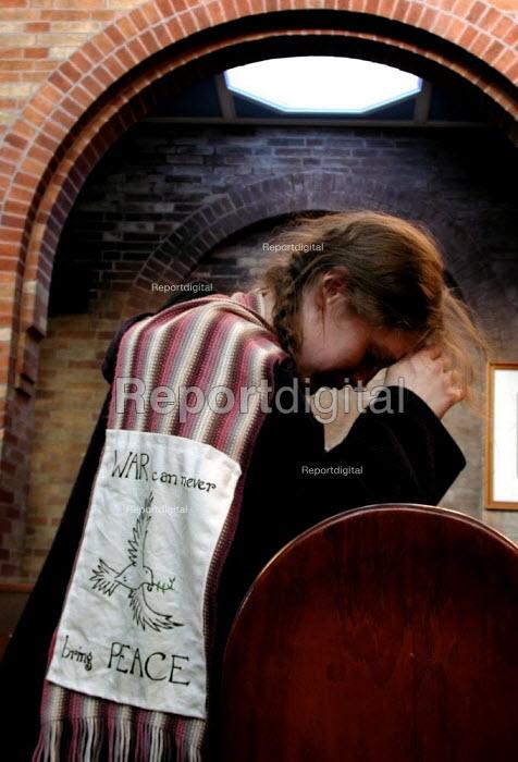 Anti war prayers at the Sacred Heart church, Sheffield - David Bocking - 2003-02-15