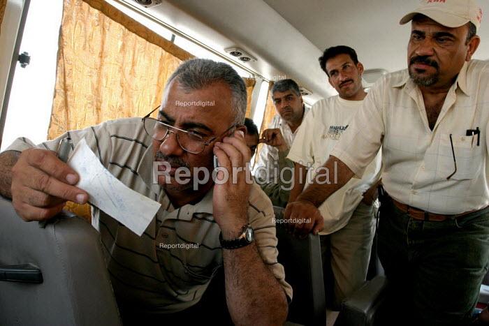 Felih Abood Umara, gen sec of the General Union of Oil Employees, Basra, Iraq 2005 - David Bacon - 2005-05-26