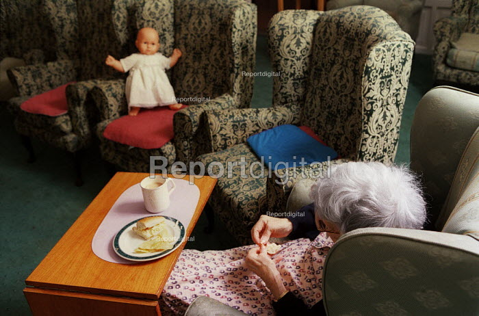 Old woman seen at a private nursing home at the Surrey Heights,Wormley, Surrey. - David Mansell - 2002-03-03
