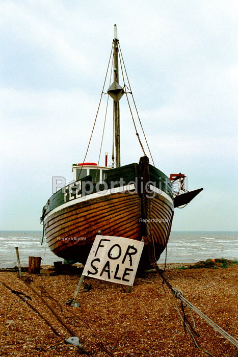 Dungeness, Kent. Fishing boat for sale. - David Mansell - 2000-11-10