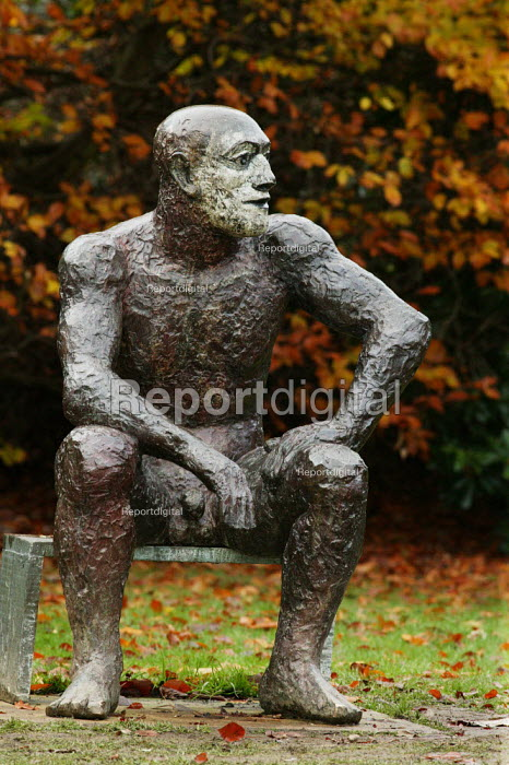 Sitting Man 11 by Elisabeth Frink, Yorkshire Sculpture Park, the largest collection of sculptures in the UK - David Mansell - 2007-11-25