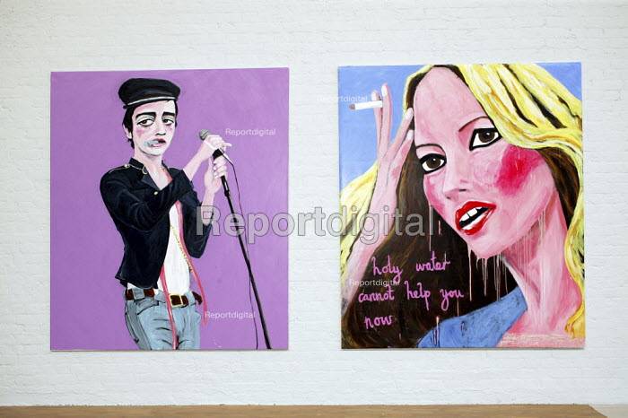 Paintings of Kate Moss and Pete Docherty, within Stella Vine's exhibition at the Modern Art Oxford. - David Mansell - 2007-07-12