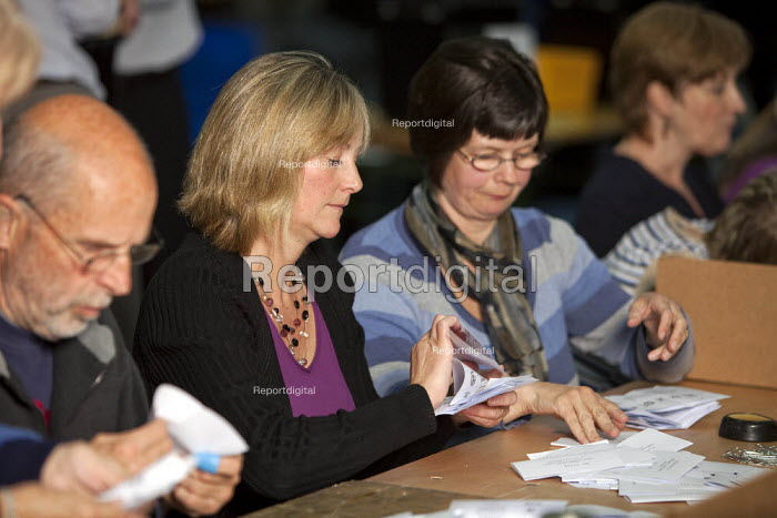 2010 General Election ballot papers seen being counted in Dorchester for the Dorset West Parliamentary Constituency. - David Mansell - 2010-05-06