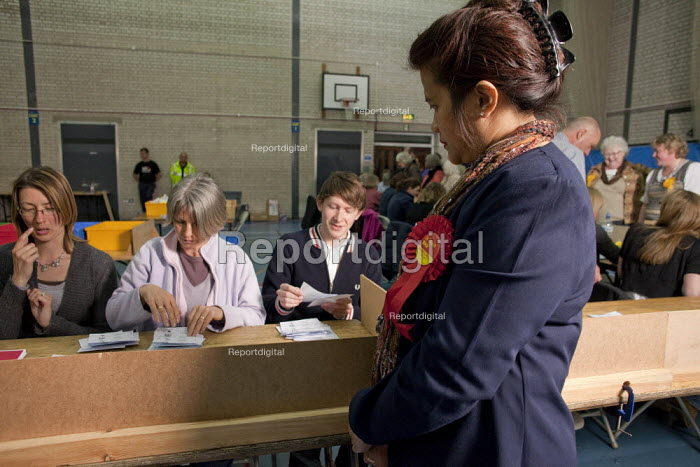 2010 General Election ballot papers seen being counted in Dorchester for the Dorset West Parliamentary Constituency. A political party teller is seen observing the ballot papers being counted. - David Mansell - 2010-05-06