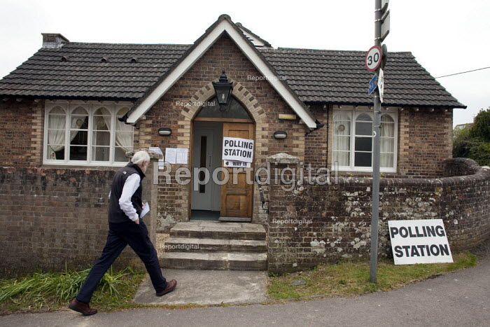 A voter going into vote at the Charminster village hall that was used as one of the polling stations in the Dorset West Constituency of the 2010 General Election. - David Mansell - 2010-05-06