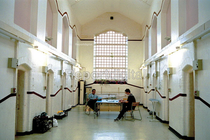A day in the life of the inmates and staff of Kingston Prison, Portsmouth. The corridor on the lifers wing where the prisoners can talk and read newspapers. - David Mansell - 2001-01-16