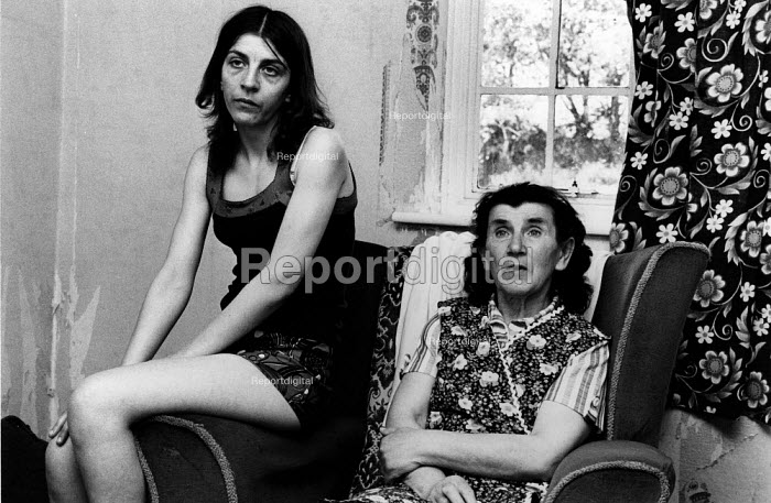 Overcrowding due to a housing shortage, mother and daughter, Hillingdon, London - David Mansell - 1978-07-02