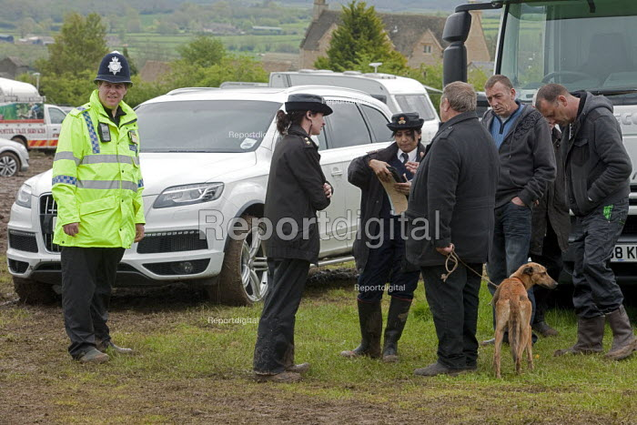 RSPCA operation, Stow Horse Fair, Stow-on-the-Wold, Gloucestershire - David Mansell - 2012-05-10