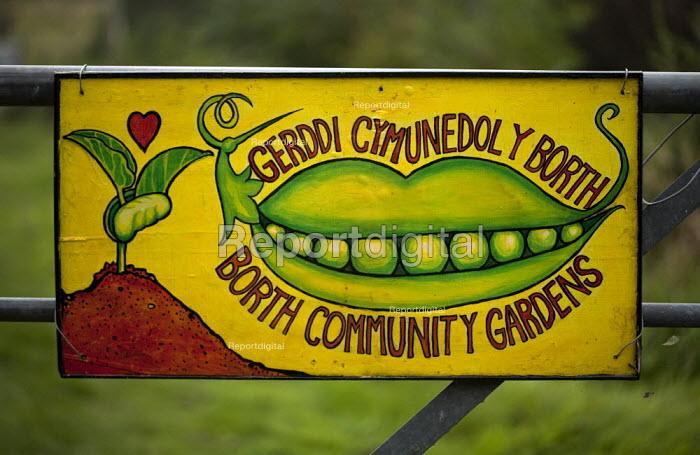 Borth Community Gardens, Ceredigion, Wales - David Mansell - 2012-09-09