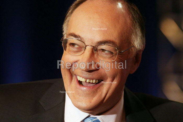 Michael Howard MP Conservative Party at the Conservative Party Conference Bournemouth 2004 - David Mansell - 2004-09-01