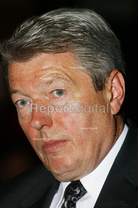 Alan Johnson MP Labour speaking at the Labour Party Conference Brighton 2004. - David Mansell - 2004-09-27