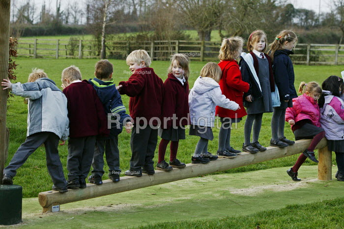 Wedmore First School, a 210 pupil village school in Wedmore, Somerset, run by Somerset LEA. The reception class, the four to five year old children are seen on the activity trail funded by the PTA. - David Mansell - 2005-02-08
