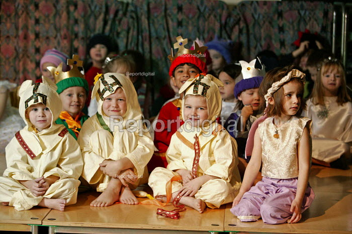 Four and five year old nursery preschool children who attend the Springfield Primary School, Welwyn Garden City, Hertfordshire, are seen taking part in a Christian Christmas nativity play. - David Mansell - 2005-12-08