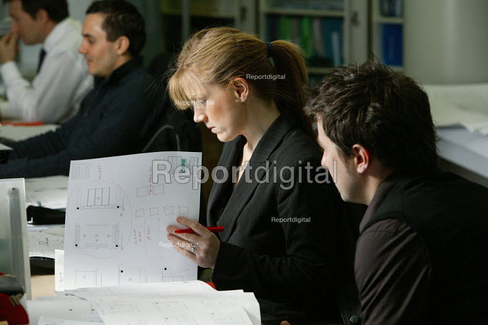 City architects at work in their architecture department at CB Richard Ellis, the world's largest property estate agents based in the square mile of the City of London. - David Mansell - 2006-01-09