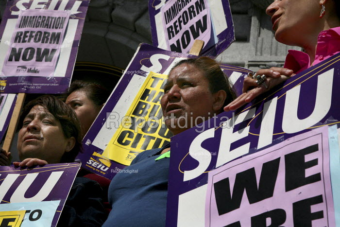 San Francisco janitors, protesting the firing of 475 workers. Immigration and Customs Enforcement told the workers' employer, ABM building maintenance company, to sack them because they lacked legal immigration status. - David Bacon - 2010-04-26