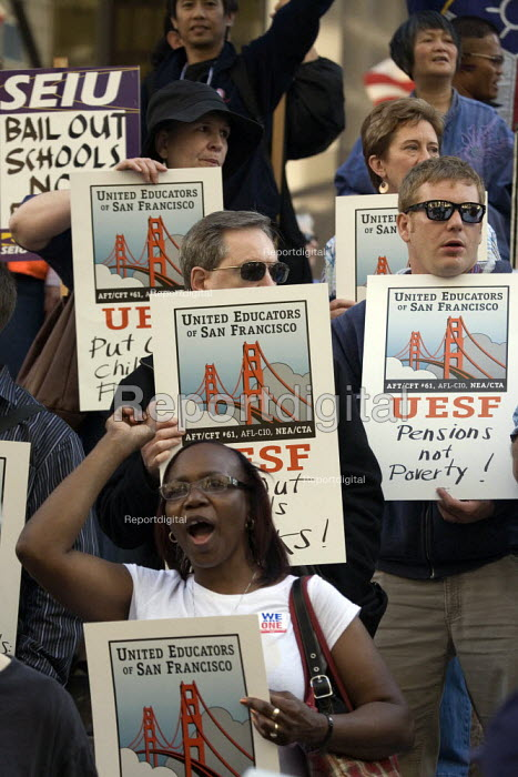 Union members march through downtown San Francisco to... - David Bacon, DNB1104sf05.jpg