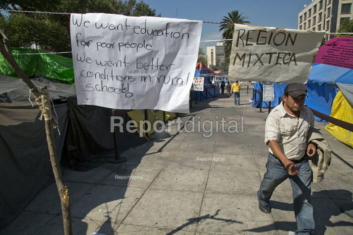 Mexico Rural teachers protest camp against neoliberal... - David Bacon, DNB140306.jpg