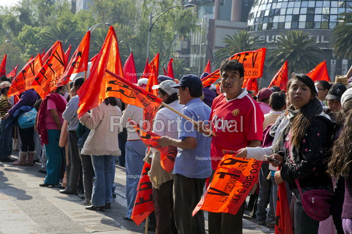 Mexico Independent trade unions protest on the 20th... - David Bacon, DNB140317.jpg