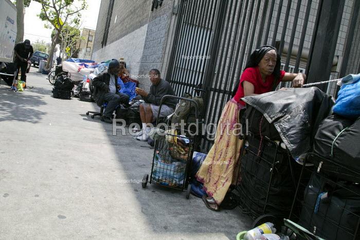California - Street scene on Skid Row, Los Angeles - David Bacon - 2014-05-07