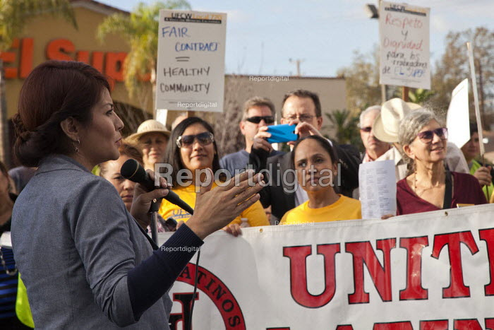Los Angeles, California: Members of the UFCW and... - David Bacon, DNB1411berk17.jpg