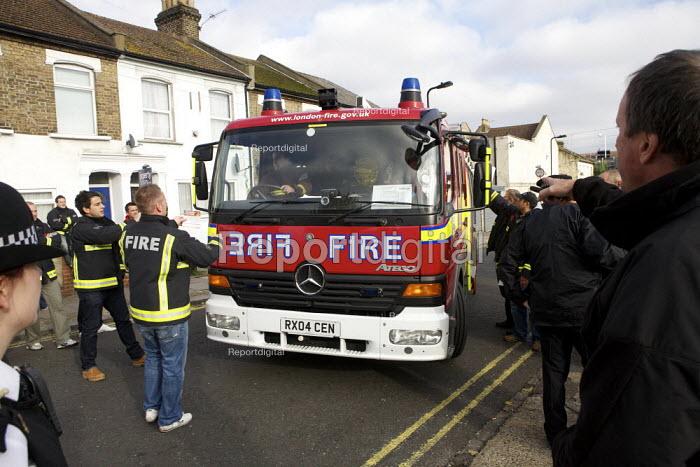 London fire strike, Picket Tottenham Fire Station - Duncan Phillips - 2010-11-01