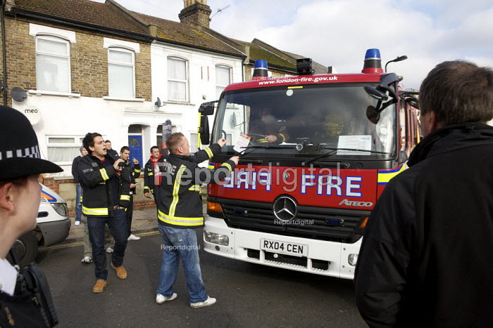 London fire strike, Picket Tottenham Fire Station. Strikers objecting to the use of an untaxed fire engine - Duncan Phillips - 2010-11-01