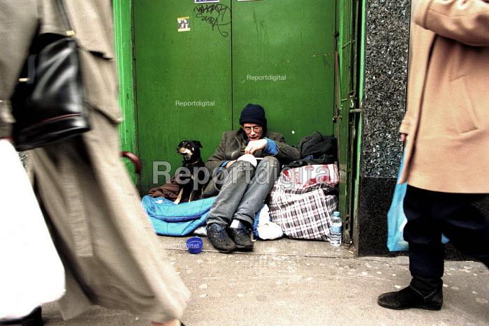 Homeless Man and Dog London - Duncan Phillips - 2001-11-15