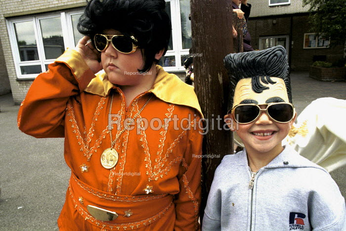 Kids in Elvis costumes as part of a school History Day - Duncan Phillips - 2000-06-15