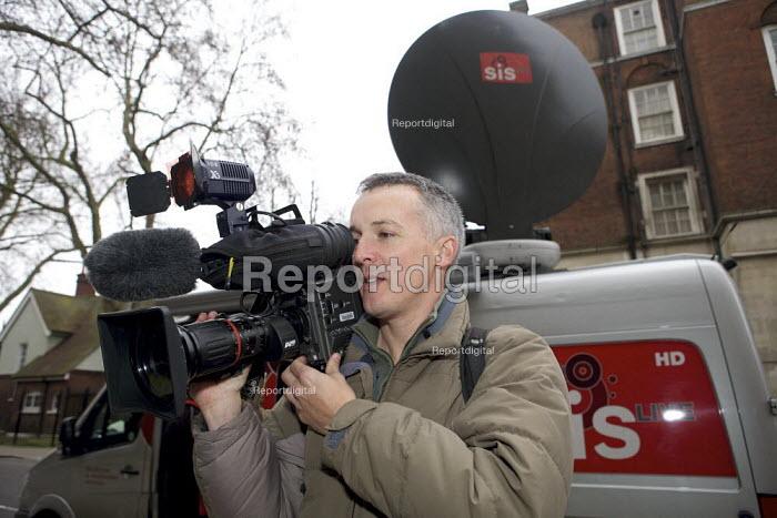 Sky News cameraman - Duncan Phillips - 2010-01-03