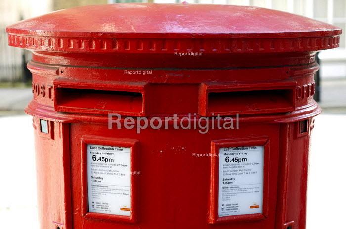 Post Box - Duncan Phillips - 2007-03-06